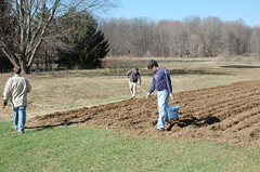 "Grains Coop Work Morning: Planting Oats <a style=""margin-left:10px; font-size:0.8em;"" href=""http://www.flickr.com/photos/91915217@N00/13920083176/"" target=""_blank"">@flickr</a>"