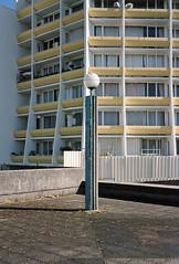 Noisy-le-Grand 2 (maxlabor) Tags: paris france film mediumformat ledefrance iso400 fujifilm 6x9 brutalism postmodernism banlieue ricardobofill postmodernisme postmodernarchitecture seinesaintdenis marnelavalle noisylegrand brutalistarchitecture fujicolorpro400h rgionparisienne parissuburbs portedeparis analoguephotography parisrer fujigw690 espacesdabraxas complexeimmobilier