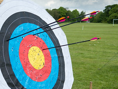 group of arrows 01 may 16 (Shaun the grime lover) Tags: boss warrington group target arrows arrow archery