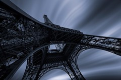 Torre Eifel, postales desde Paris (sgsierra) Tags: paris blanco arquitectura torre y negro bn eifel postal francia