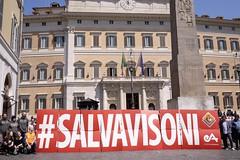 #salvavisoni: flashmob a Montecitorio (Essere Animali) Tags: fur mink pellicce visoni dirittianimali allevamentidivisoni