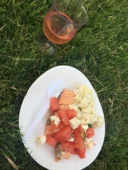 Middag 1/6 (Atomeyes) Tags: mat sallad vin lax melon ros fil potatis