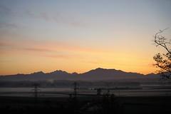 Sunrise in Snohomish (liljetjennie) Tags: mountains fog sunrise cascades snohomish mountainrange 2016 snohomishvalley