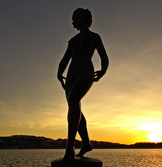 She Dances In The Sun! (Dansen statue) 2016-02-17 (crush777roxx) Tags: camera sunset art silhouette statue wintersunset dancing sweden stockholm sony dancer bronzestatue sverige february monday crush 17th compact stadshuset 1929 dansen compactcamera bronzesculpture 2016 stockholmsweden thedancer stockholmcityhall carleldh stockholmwinter dancinginthesun statuesilhouette dancinginthesunset shedances stockholmstadshuset swedenwinter hx90v sonyhx90v crush777roxx 20160217 sverigevintern