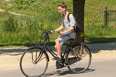 Vondelpark - Amsterdam (Netherlands) (Meteorry) Tags: park boy holland male netherlands dutch amsterdam bike bicycle june spring student europe cyclist candid south nederland twink teen bicyclette vondelpark paysbas parc printemps vlo sud homme zuid noordholland schoolboy tudiant 2016 meteorry amsterdampeople