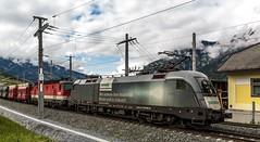 0886_2016_05_20_sterreich_Bad_Hofgastain_Angertal_BB_1116_141_SIEMENS_&_1144_252_mit_RockTainer_ORE_und_SZ_Falns_Villach (ruhrpott.sprinter) Tags: railroad schnee salzburg train logo graffiti austria ic sterreich diesel natur siemens eisenbahn rail zug db cargo baustelle berge 101 passenger fret ore schokolade rupert freight bb badgastein 900 kv zucker ec ecard 1016 sz liebherr bagger badhofgastein gter angertal 1144 dorfgastein ekol 1116 erzberg tauernbahn reisezug voestalpine nordrampe innofreight ellok zweiwege vaerzberg gastainertal rocktainer