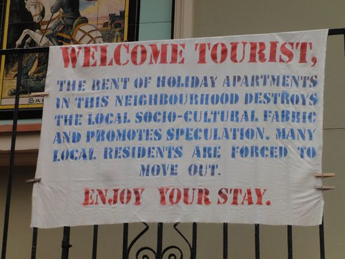 WELCOME TOURIST, THE RENT OF HOLIDAY APARTMENTS IN THIS NEIGHBOURHOOD DESTROYS THE LOCAL SOCIO-CULTURAL FABRIC AND PROMOTES SPECULATION. MANY LOCAL RESIDENTS ARE FORCED TO MOVE OUT. ENJOY YOUR STAY.