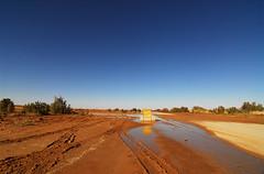 LBY-Inland-0801-01-v1 (anthonyasael) Tags: africa road sun hot sahara nature rock horizontal sand highway desert northafrica dune rocky dry sunny bluesky maghreb inland libya  lby libi libyanarabjamahiriya   anthonyasael     lbija