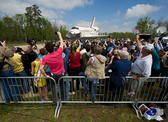 Shuttle Discovery Arrives at Udvar-Hazy (201204190013HQ) (NASA HQ PHOTO) Tags: usa virginia nasa va discovery spaceshuttle chantilly stevenfudvarhazycenter carlacioffi