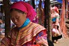 Vietnam : Hmong bariolée (frankyb66) Tags: costumes asia vietnam asie hanoi lolo ethnic couleur halong hmong tribu ethnie