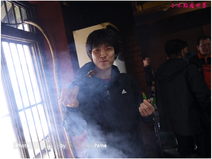 新村站站著吃烤牛小排 (11).JPG