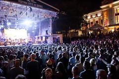Foule - Deltron 3030 (Festival d'été de Québec) Tags: music festival concert quebec crowd québec indie hiphop foule été juillet musique ete 2012 spectacle festivaldétédequébec festivaldetedequebec deltron3030 feq renaudphilippe été2012 juillet2012 feq2012