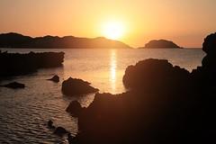 Atardecer en Binimel.la. Menorca. 2012. (Roberto Poveda) Tags: sol contraluz atardecer mar mediterraneo menorca binimella