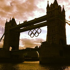 #Tower bridge and the #Olympic rings #london2012 #london # (greenfreek83) Tags: square squareformat lordkelvin iphoneography instagramapp uploaded:by=instagram