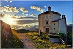 Luce (Luigi Alesi) Tags: santa light sunset italy sun nikon italia tramonto maria chiesa rays sole della luce rocca abruzzo raggi laquila piet d90 calascio platinumheartaward