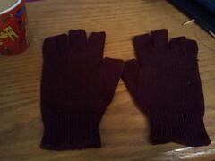 2012-11-09 06.45.31.jpg (lelwyn17) Tags: knitting knucks
