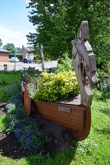 Stamford Bridge - Ormen (Richard Winskill) Tags: village yorkshire longboat viking planter stamfordbridge