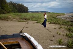 Dejar mi vida atrs (Aurora Daz ) Tags: red sea espaa girl boat mar model modelo galicia pelirroja