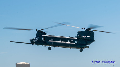 MH-47G COMING DOWN AT PAINE FIELD