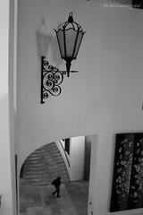 Passo (Égon Camargo) Tags: city cidade white black branco vintage circle lens person tv video pessoa space sony nine capital picture sombra palace preto line chandelier dos e shade scouts fixed fotografia curved lente equipe espaço circulo egon cameraman morumbi palacio antigo linha lustre h9 curva nove bandeirantes camargo cinegrafista fixa