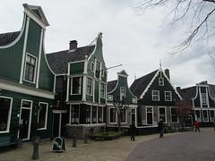 Netherlands - Zaandijk - Zaanse Schans - Traditional houses and shops (JulesFoto) Tags: holland netherlands zaanseschans zaandijk koogzaandijk olddutchhouses replicavillage