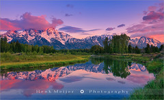 Sunrise Schwabacher Landing - Grand Teton N.P - Wyoming (~ Floydian ~) Tags: henkmeijer floydian usa unitedstates wyoming jacksonhole schwabacherlanding schwabacher landing np sunrise dawn morning mountain mountains tetons grandteton nationalpark teton trees tree mood cloud clouds valley colourfulsky sky warmcolors colours colorful color colors atmosphere landscape landscapes canon canoneos1dsmarkiii
