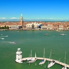 My postcard from Venice (Bn) Tags: world life voyage street city trip travel venice houses wind