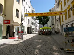 Passau / Cobblestone Streets 8305 (Mr.J.Martin) Tags: castle abbey germany bayern bavaria austria inn catholic cathedral worldwarii fortress danube romancatholic danuberiver passau threerivers monestary rivercruise romancatholicchurch oberhaus innriver ilz adolphhitler braoque cityofthreerivers niederhaus salttrade ilzriver oberhausandniederhaus