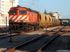 CP 1963 | 57639 | Caldas da Rainha (rrist) Tags: locomotive cereals bombardier cereais locomotiva sgs tadgs tdgs cpcarga linhadooeste rações ramalhal valouro cp1960 cp1963 ld1960 ld1963