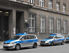 Berlin Police Station (alberto83it) Tags: berlin golf police polizei policia polizia berlino