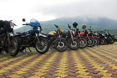 6623 - - Lineup at Malshej (Yazed RD350 Lord) Tags: fun ride roadtrip riding yamaha ghats ghat croup rd350 malshej