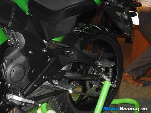 2012-Kawasaki-Ninja-650-Launch-16