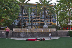 Day 2029 (evaxebra) Tags: red beach fountain mall palms pants huntington tuesday bella 365 terra plank huntingtonbeach wh facedown planking 365days fdt evaxebra
