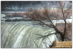 Winter in the Falls (Olivia Heredia) Tags: toronto canada ice niagarafalls nieve niagara falls waterfalls cataratas glaciar hielo hdr highdynamicrange canad cascadas tonemapped tonemapping 1exp oliviaheredia cataratasdeniagara oliviaherediaotero