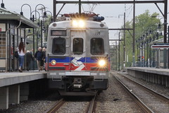 Inbound train arriving at platform (Geo Gibson) Tags: station wales train north rail septa regional georgegibsonphotos
