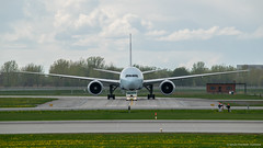 Boeing 777-333(ER) Air Canada (C-FIVR) - YUL (Sylvain C-G ✈) Tags: canada face plane nikon air planes push aca boeing ac 777 spotting yul 773 b777 aricraft cyul avgeek 77w b773 planspotting 777333er b77w 777333 d5300 cfivr
