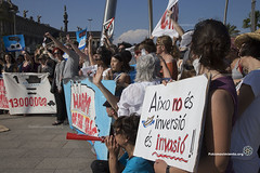 2016_06_05_Harmony of the seas_Oriol Daviu (4) (Fotomovimiento) Tags: barcelona puerto manifestacion trasatlantico turismomasivo fotomovimiento harmonyoftheseas noalturismo