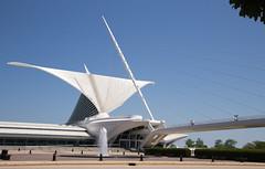 Milwaukee (TWITA2005) Tags: wisconsin us unitedstates milwaukeeartmuseum milwaukee quadraccipavilion