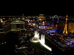 Bellagio Fountains At Night (Phil Guest) Tags: lasvegas nevada nighttime bellagio fountains