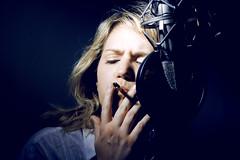 Inspiration (Sarah Marcni) Tags: inspiration photo lumire cigarette smoke femme bleu micro blonde fumeur smoker musique fume inspirer fumeuse respirer julialeyris