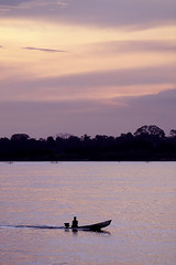 Rio Tocantins (Ricardo_ Lima) Tags: sunset vertical boats amazon dusk marabá riotocantins l´amazonie