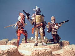 Readying the Ambush (blackbarn2012) Tags: starwars actionfigures bobafett tatooine aurrasing dengar bountyhunters