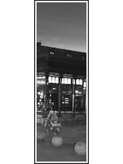 Madrid Vertical # 51 -  Mercado de San Miguel, anochecer. (Rumbo181) Tags: madrid espaa blancoynegro twilight spain europa europe market bn sphere sanmiguel crepusculo esfera esferas flasch mercadodesanmiguel pretoybranco