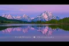 Oxbow Bend - Grand Teton N.P - Wyoming - USA (~ Floydian ~) Tags: morning trees light usa cloud mountain lake snow mountains color reflection tree ice water colors clouds canon reflections landscape dawn reflecting mirror landscapes nationalpark pond mood colours view unitedstates bend wide atmosphere filter valley lee snakeriver wyoming mountmoran teton tetons filters picturesque grandteton meijer henk oxbow oxbowbend floydian leefilters canoneos1dsmarkiii henkmeijer
