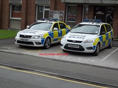 Staffordshire police Skoda  octavia area car + ford focus estate IRV. (policeambulancefire(2)) Tags: blue two dog english ford car lights pier support focus call estate rear fast police off grill led motorbike yelp wig area vehicle leds british hilo roads irv emergency reds incident staffordshire department tone section k9 skoda response unit 999 sirens wail bullhorn fend strobes wags airhorn lightbar policing policee welen ocavia repaterrs incdient