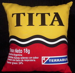 Almohadn Tita (Lady Krizia) Tags: retro pillow vinilo tita golosina wilwarin estampado almohadon termoestampado