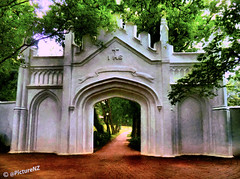 Fort Canning Park (Steve Taylor (Photography)) Tags: park trees texture vintage restaurant singapore asia fort path hill entrance ihs fortcanning sportscentre performingartscentre culinaryacademy dancetheatre