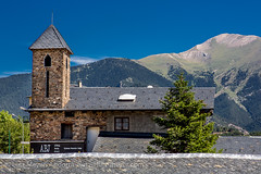 Andorra rural: Vall Nord (lutzmeyer) Tags: summer history farmhouse rural hotel jugendherberge europe dorf village sommer pueblo haus august agosto valley verano accommodation past historia andorra youthhostel agost pyrenees tal pension iberia historie estiu pirineos pirineus iberianpeninsula parroquia geschichte pyrenen scheune borda poble bauernhaus alberg vallnord bernachtung lamassana sispony iberischehalbinsel piccasamanya lamassanaparroquia hostalalberg