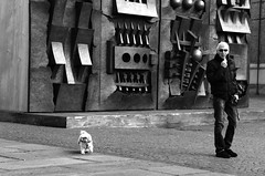 a walk with Pomodoro's background (enki22) Tags: street people white black torino candid pomodoro enki22