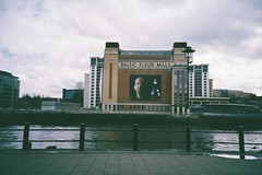 Baltic lomo Postcarding (bigalid) Tags: film 35mm gallery superia baltic gateshead plastic 400 april fujifilm tyneside xtra 2016 c41 vuws superheadzwideandslim